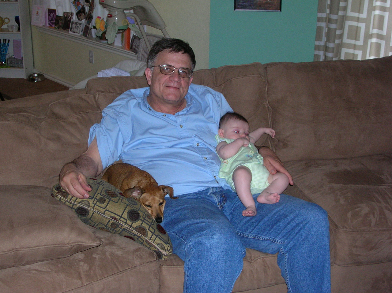 Pappy and two of his granddaughtersnDSCN0624.JPG