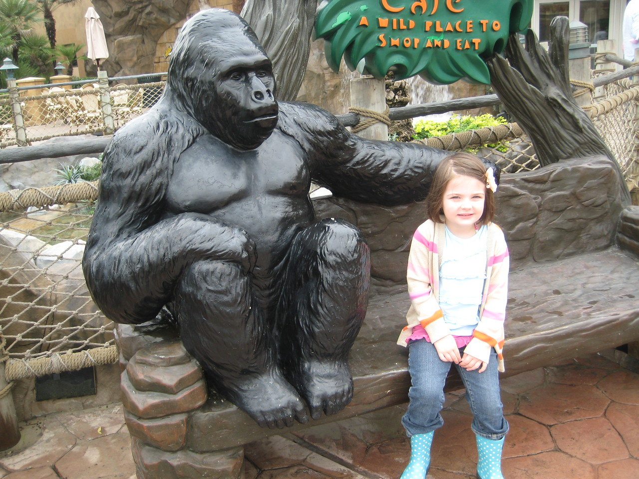 Stella and a Gorilla at the Rainforest Cafe