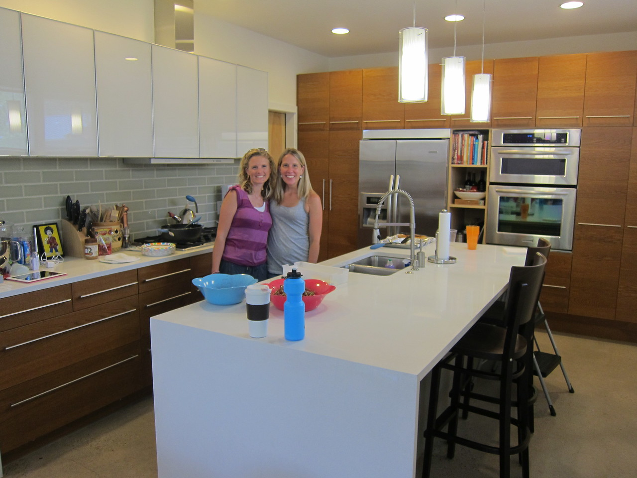 Courtney and Rachel in Rachel's gorgeous kitchen which I totally covet.