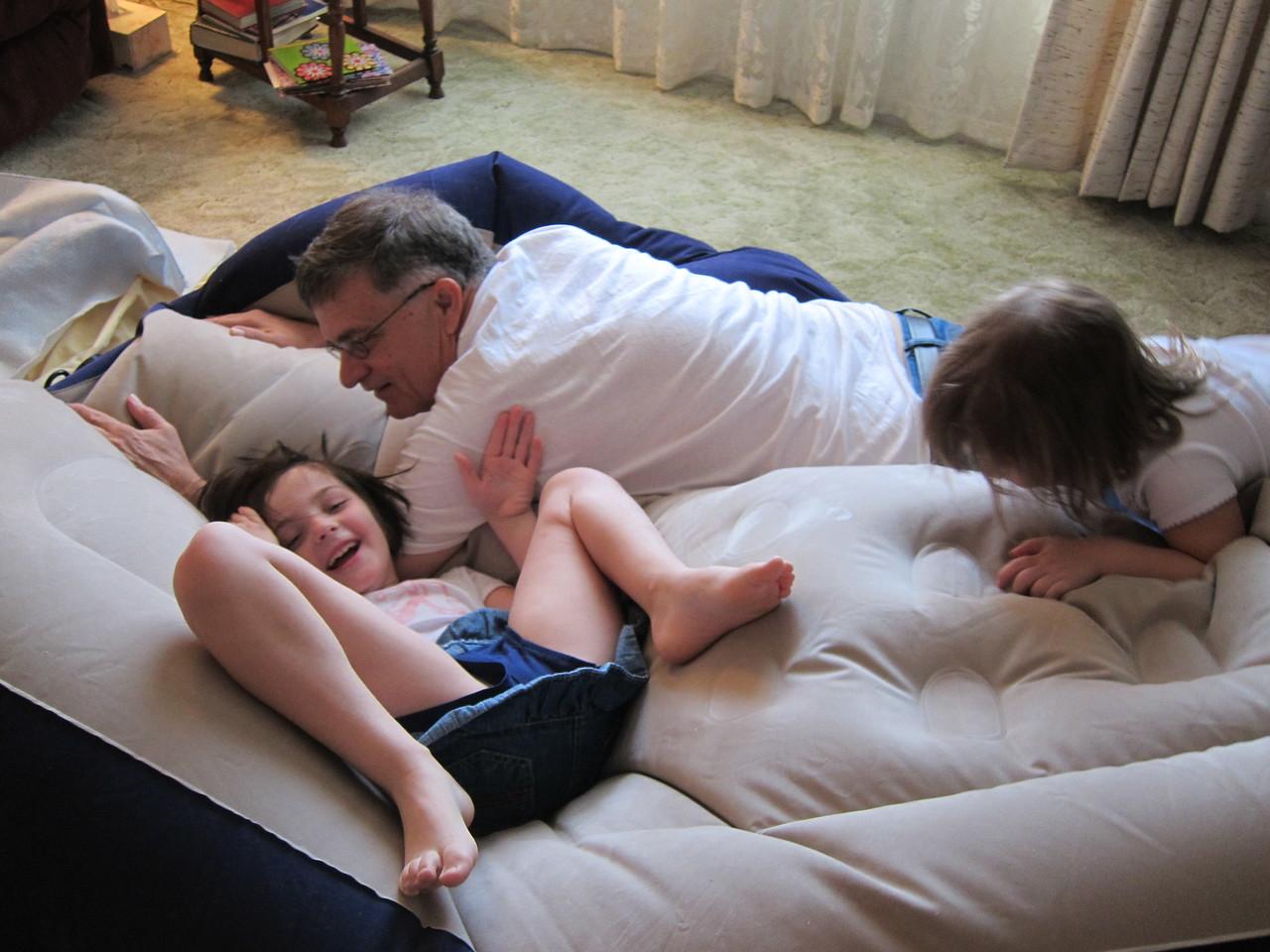 deflating the aero bed at Mama's