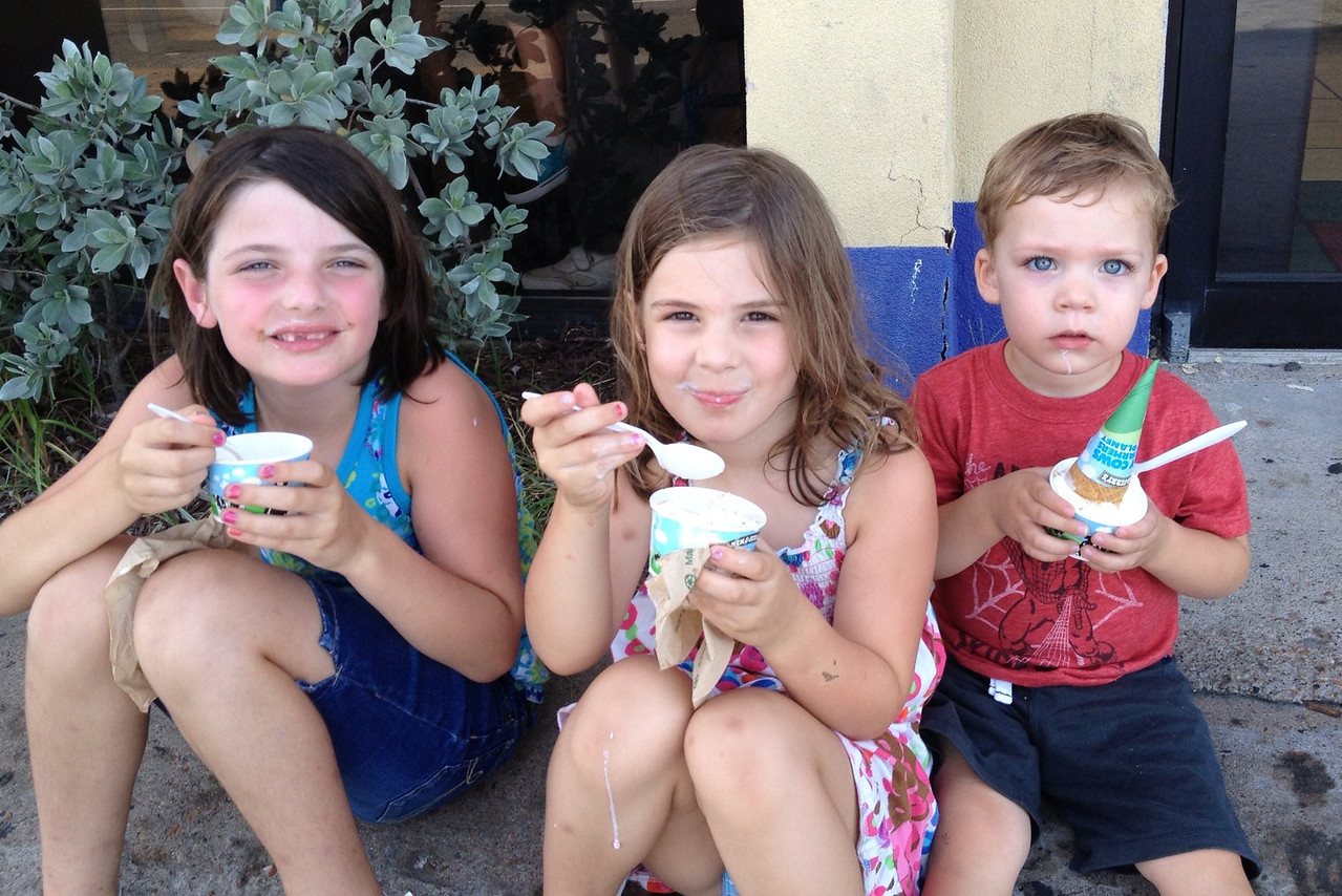 Cousins enjoying ice cream