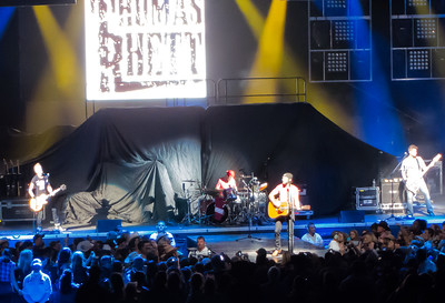 Thomas Rhett Jake Owen Jason Aldean 17 October 2013 -002