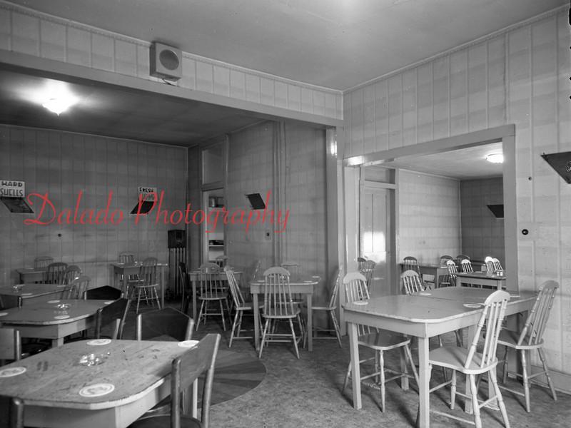 (1949) Leftys along Shamokin St.