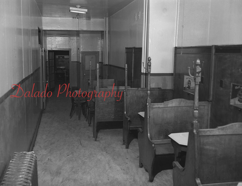 (1956) Kulbacki Café.
