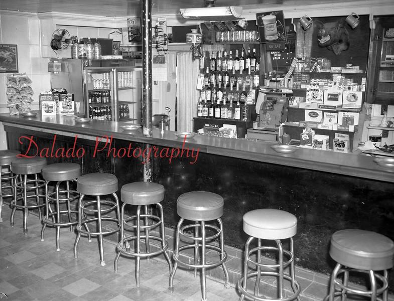 (1975) Dawson Tavern at Franklin Square (the Purple Pump).