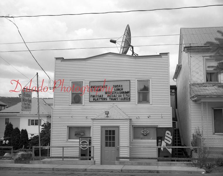 (07.02.90) Linda's Café.