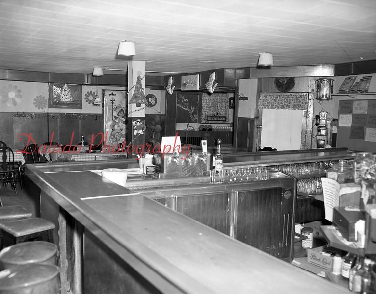 (12.19.71) Sager's Café.