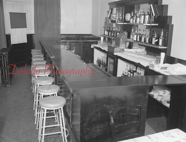 (1956) Wilson's at Sunbury and Market streets.