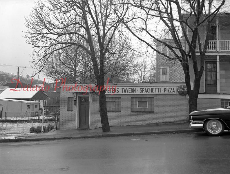 (04.04.61) Peter's Tavern.