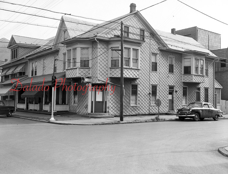 (July 1955) Wetzels at Second and Walnut streets.
