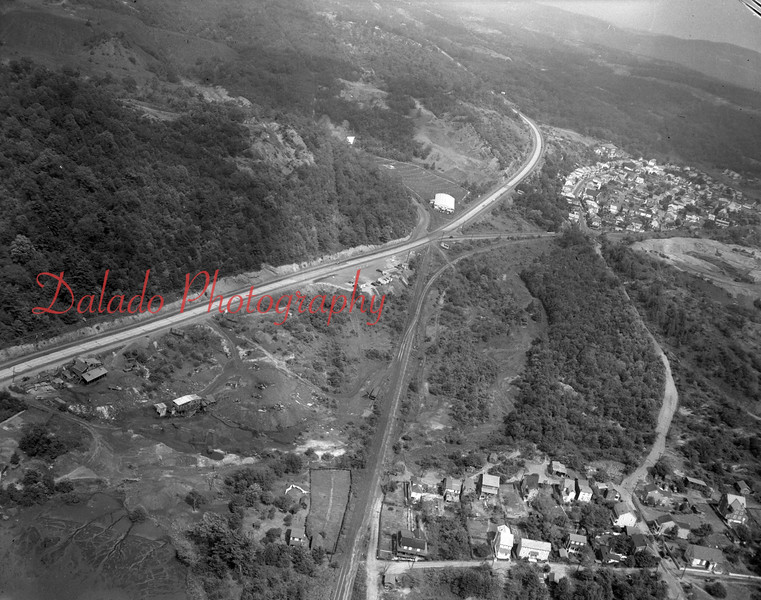 Aerial of both Boydtown (lower right) and Ranshaw (upper right).