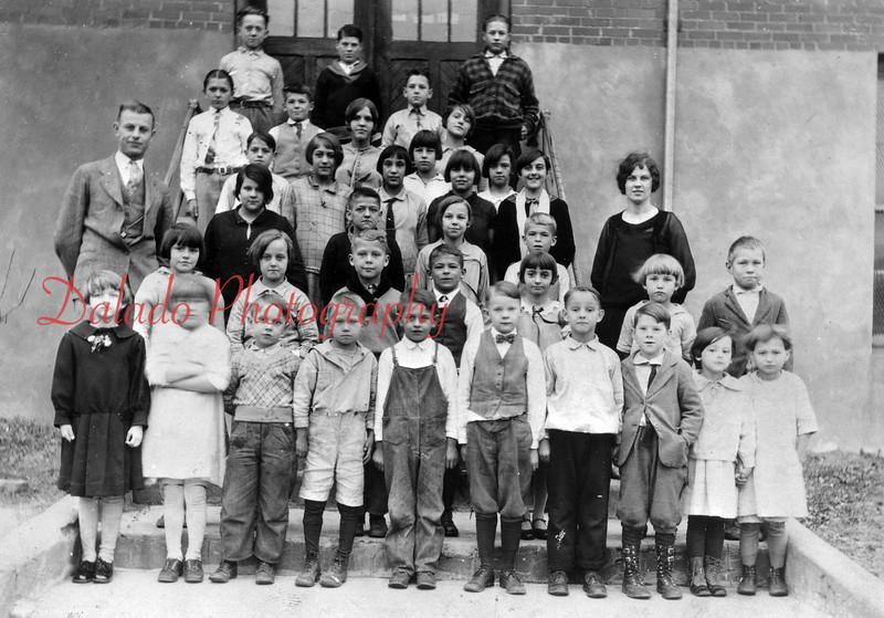 (1927) Morse School in Coal Run.