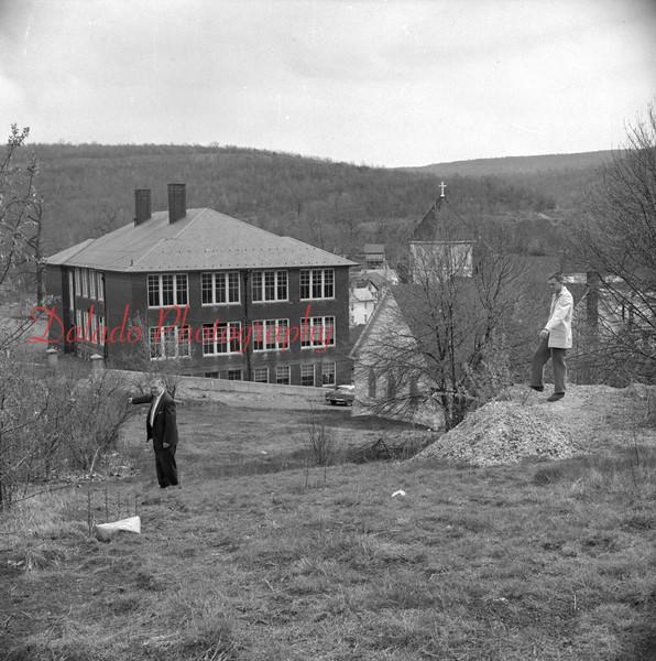 (May 1958) Lincoln School in Ranshaw.