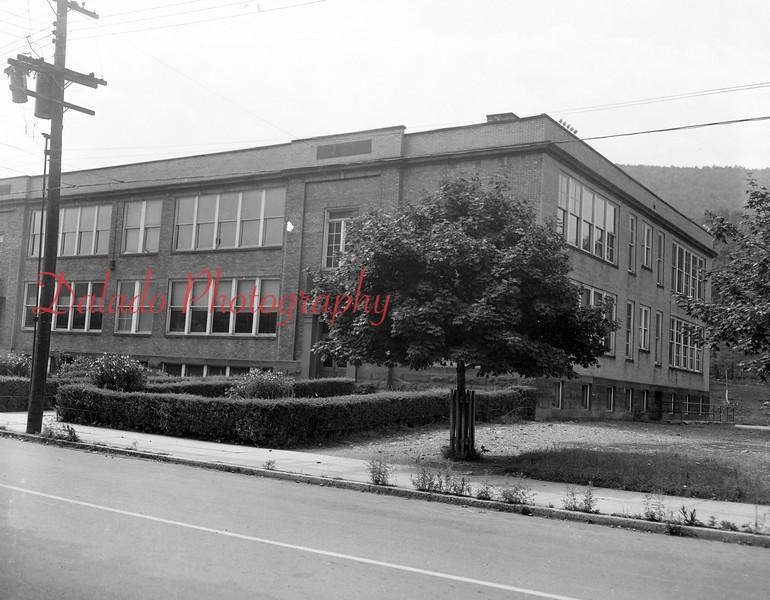 (1954) Uniontown School.