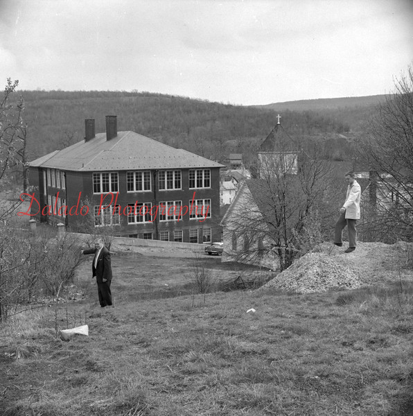 (May 1958) Lincoln School in Ranshaw.