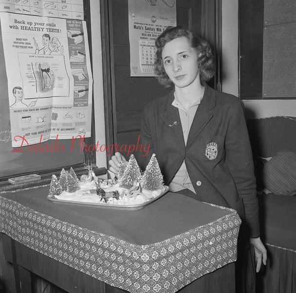 (1960) Lourdes model.