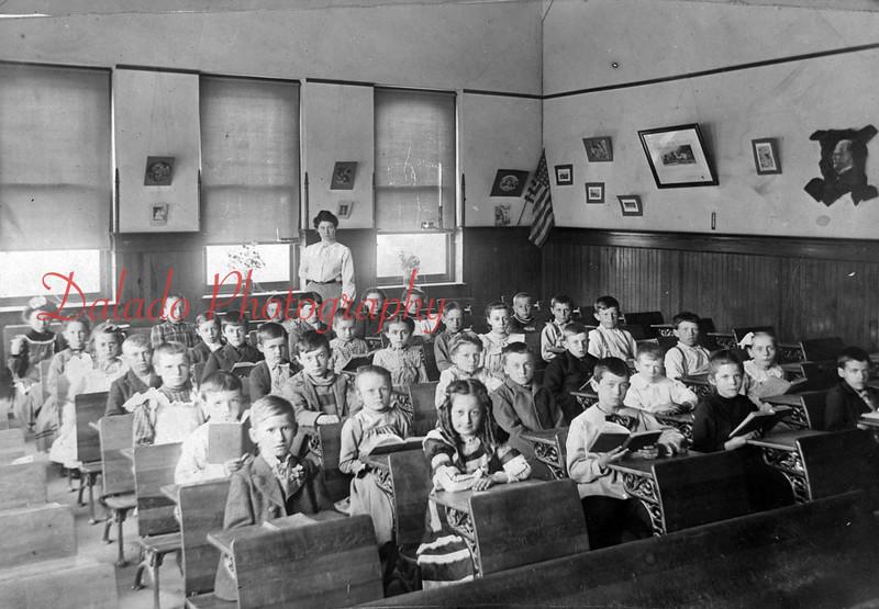 Unknown school.