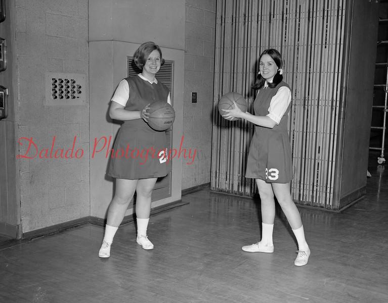 (1968-69) Shamokin Area High School basketball.