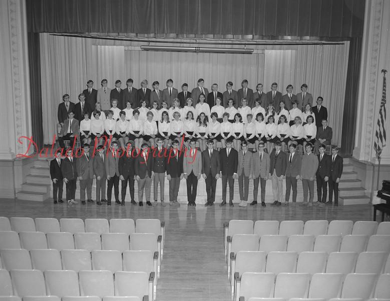 (1968-69) Shamokin Area High School chorus.