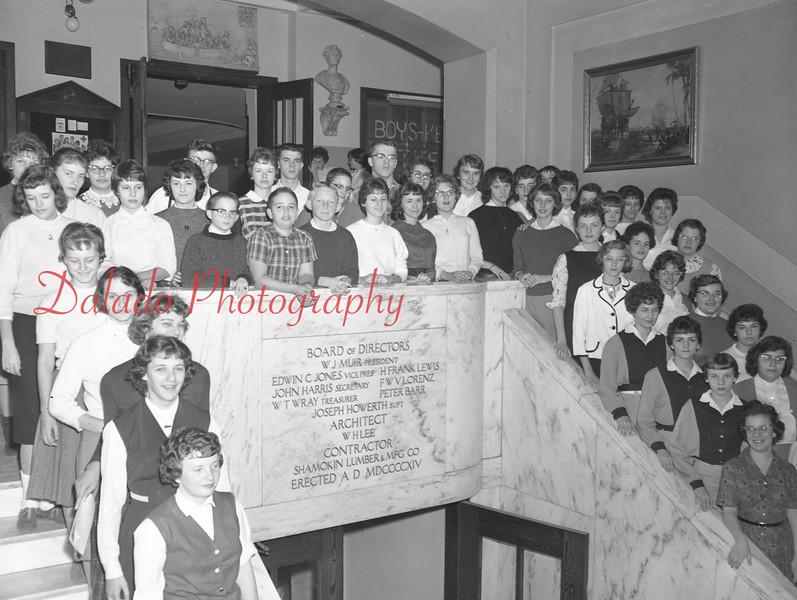 (1959-60) Shamokin High School: SAJ Staff.