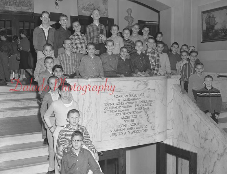 (1959-60) Shamokin High School: Gym Club.