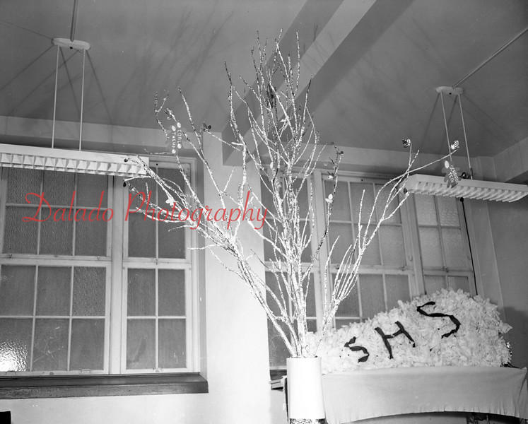 (1959-60) Shamokin High School: Victory Tree.