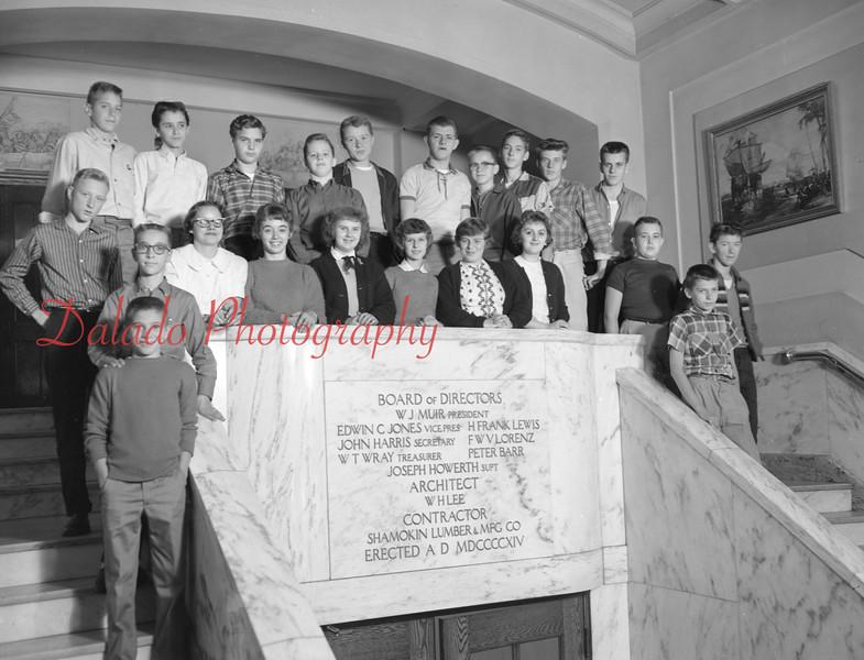 (1959-60) Shamokin High School: Ninth Graders, Starr.