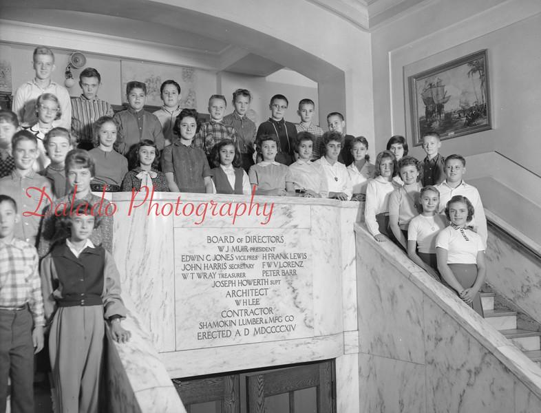 (1959-60) Shamokin High School: Seventh Graders, Landa.