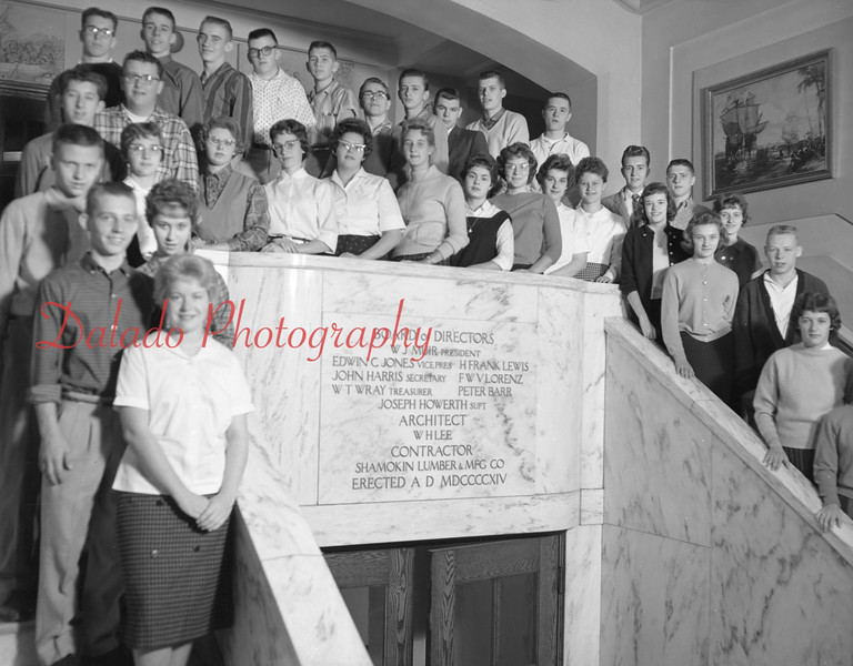 (1959-60) Shamokin High School: Eleventh graders, Faux.