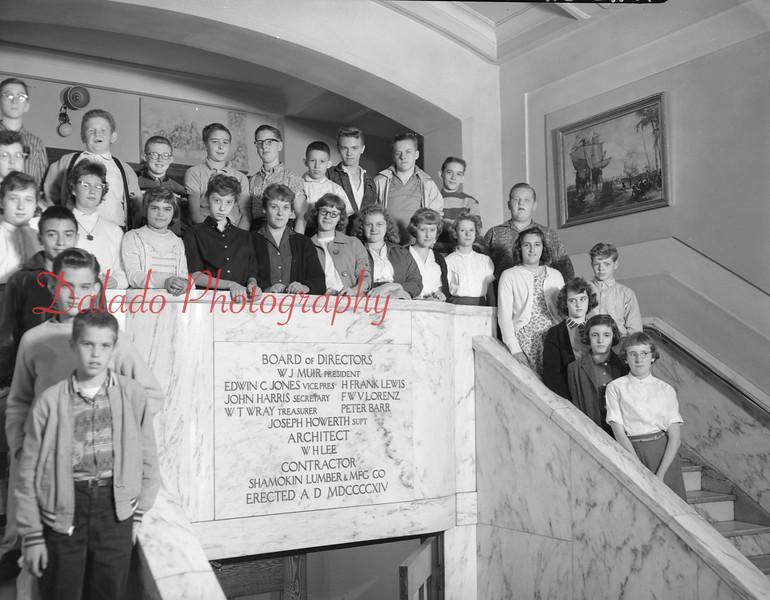 (1959-60) Shamokin High School: Eighth graders, Cawthern.