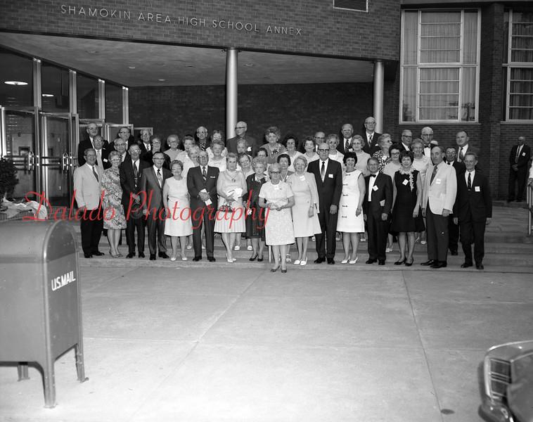 (1970) Shamokin High School Class of 1920 50th reunion.
