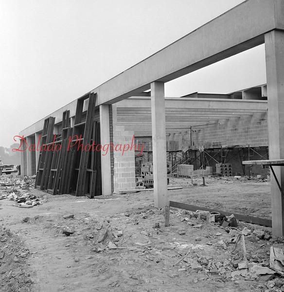 (08.11.71) Vo-Tech Construction.