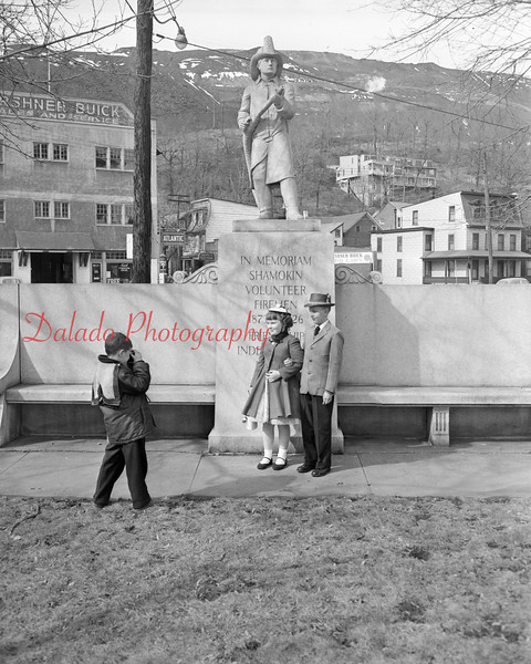 (1959) Kids at the Firemen's Memorial.
