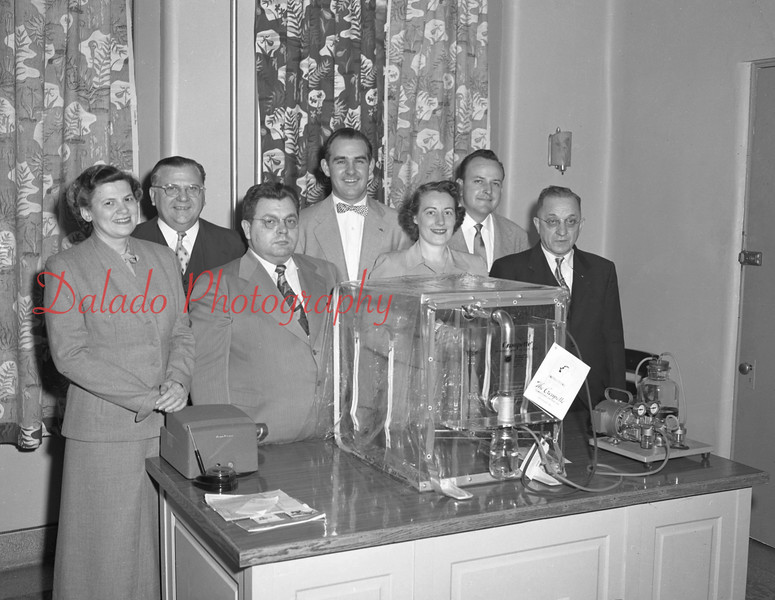 (1953) Shamokin Hospital doctors with equipment.