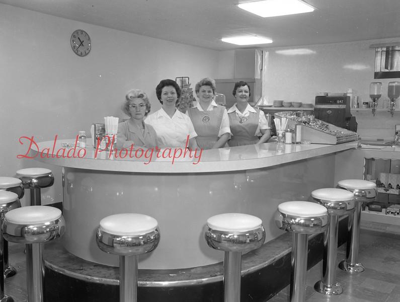 (1961) Shamokin Hospital snack bar.