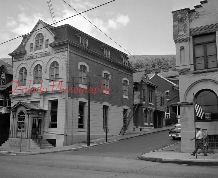 (1957) Lark Building.