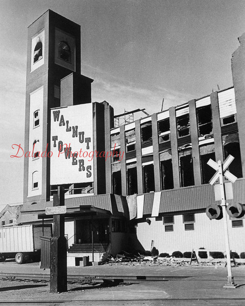 (01.02.1977) This is what the building looked like after the fire.