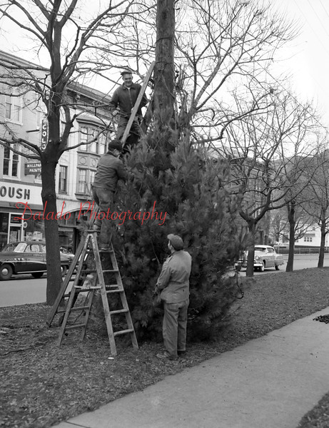 (Nov. 1955) Christmas in Shamokin.