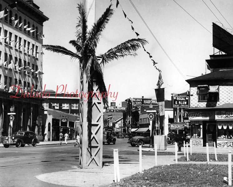 (1939) Market and Independence streets.