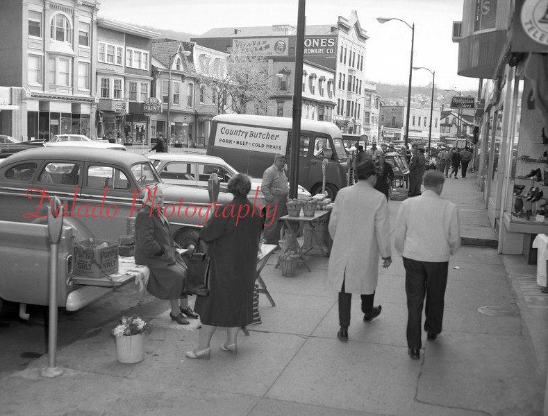 (1964) Farmers Market, Shamokin.
