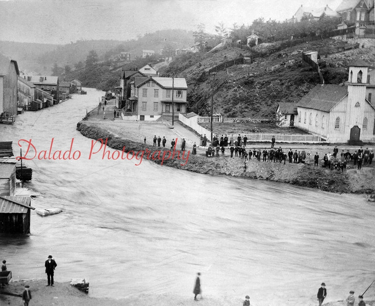 (06.01.1889) Flood- Shamokin Creek over its banks near Trinity Episcopal Church. Also shown is the area formally known as Terrace Avenue. It is now a parking lot for the Rescue Fire Company and Lawton W. Schroyer Memorial Swimming Pool.