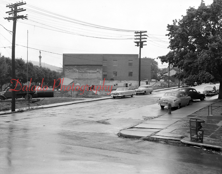 (Oct. 1955) Demolition of the Mansion House in Shamokin.