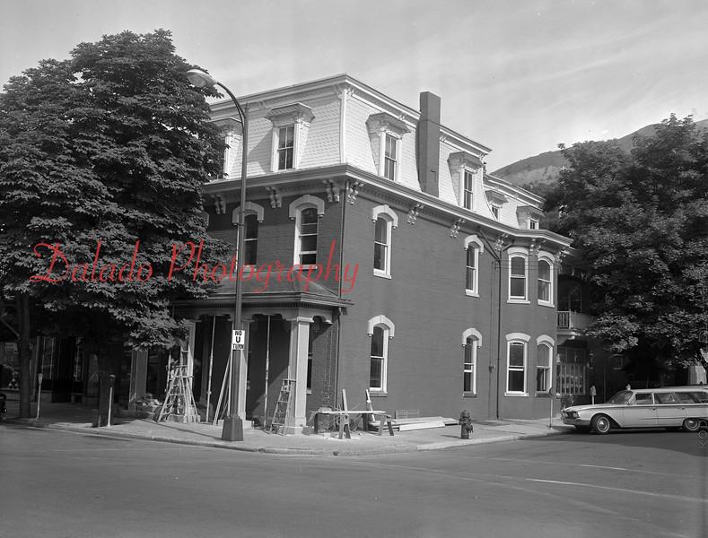 (1955) Shaomokin Library.