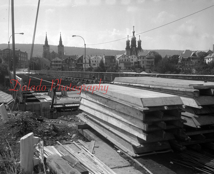 (1967) Construction on The Viaduct.