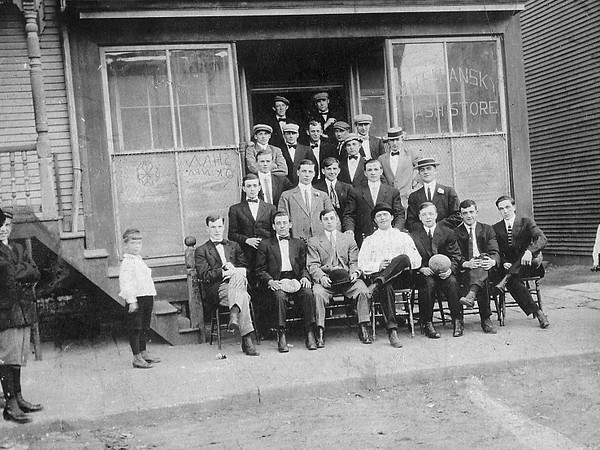 *Low-Res* (1918) The White Star Club meets at M. Tehansky Cash Store, possibly at 203 S. Shamokin Street.