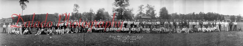 (08.09.1916) Panoramic of the Rotary Club at Edgewood.