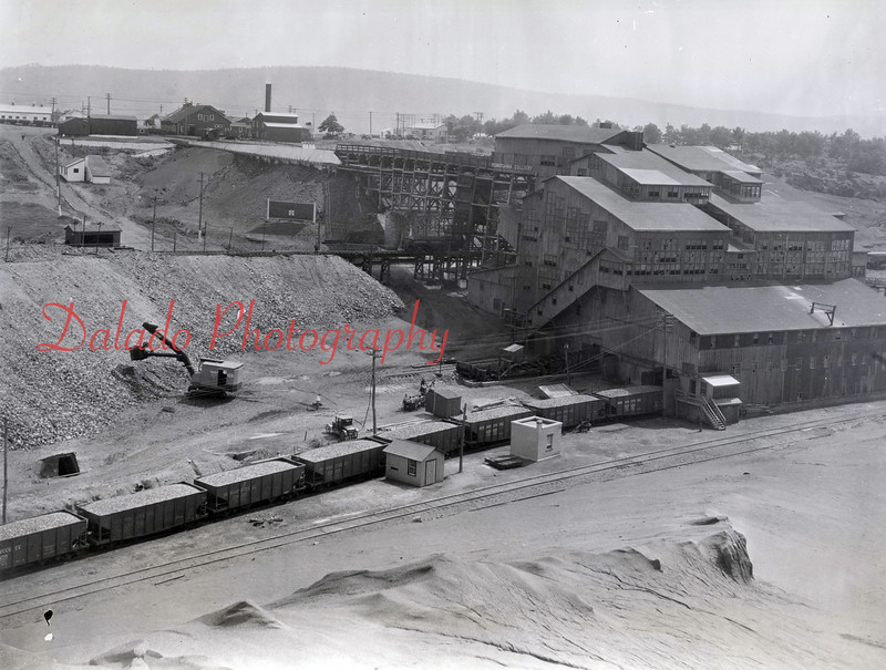 (1933) Pennsylvania Colliery at Strong.