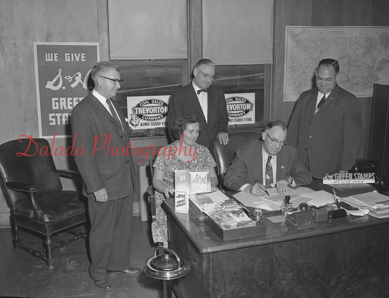(1962/63) Trevorton Coal Sales Green Stamp promotion.