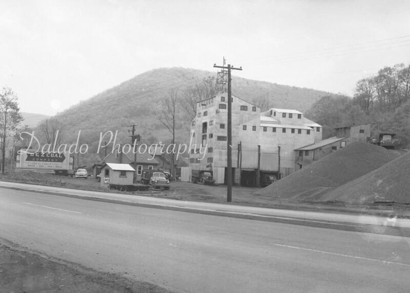 (1955) DZ Coal (Split Vein).