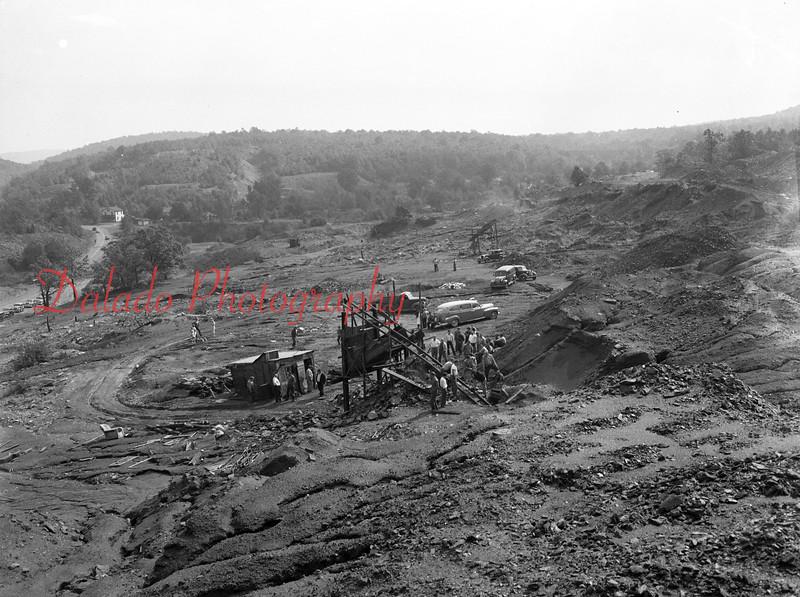 (1949) Mine breaker.